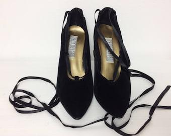 Vintage 80s Shoes/ 80s Black Velvet Lace Up Heels/ Pointed Toe Heels/ Size 6.5