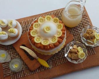 1:12 Scale Miniature Banana Cream Pie and Cupcake Set