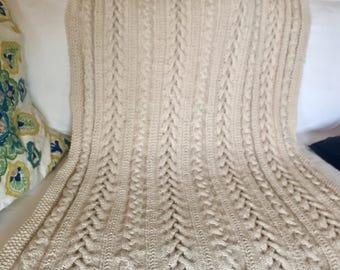Braided cables knit throw