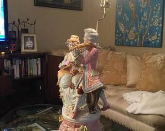 Capodimonte musicians porcelain lamp.