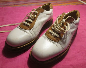 Beautiful shoes brand HESCHUNG bi-color leather.