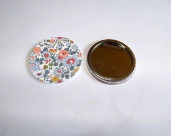 """liberty print Pocket mirror 1"" it measures 5.8 cm in diameter"