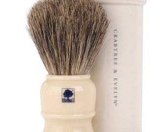 Travel shaving brush badger with travel case by crabtree & evelyn new old stock no longer made