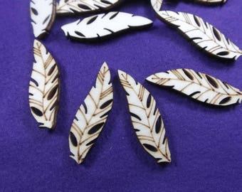 10 feathers, wood, 4 x 1.4 cm