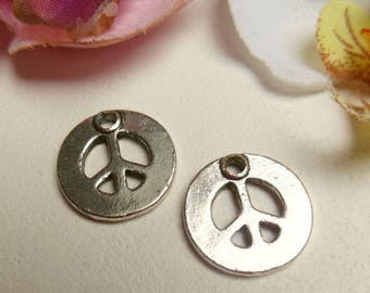 set of 2 charms silver metal peace sign
