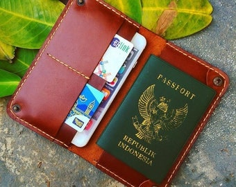 elegant travel Wallet for iPhone and Passport