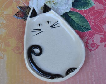 Siamese cat spoon rest. Ceramic cat jewelry holder. Cat plate. Cat ring holder. Ceramic cat dish. Cat table display. Siamese cat ring dish