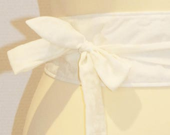 70 yellow pastel/ivory floral fabric tie belt