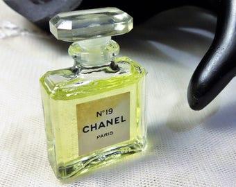 Vintage Chanel No 19 3ml Miniature Glass Parfum Bottle