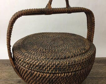 Vintage Folk Art Hand Woven Natural Wicker Rattan Basket with Lid and Handle