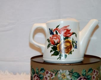 McCoy Watering Can #721 Very Good Condition Flowers