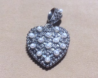 Vintage Large Silver Heart Pendant, Vintage 80's Textured Puffed Heart Pendant w/Faux Pearls, Two-sided Puffed Heart Pendant Charm w/Pearls