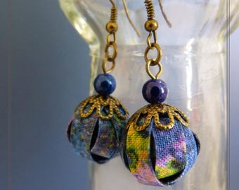 small pair of earrings textile print in shades of blue purple