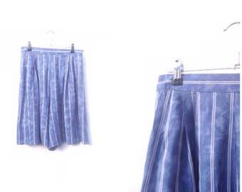90s Mom Shorts - Cloudy Blue White Stripes