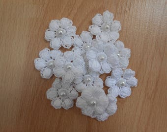 White crochet flowers beads
