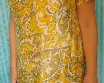 1960's Mid-Century Shift Dress. A Classic Beauty.