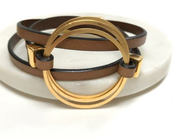 Triple Wrap Tan Leather Bracelet with Gold Tone Circle Focal, Leather Bangle, Unisex Leather Bracelet, Gold Clasp, Simple Leather Bracelet