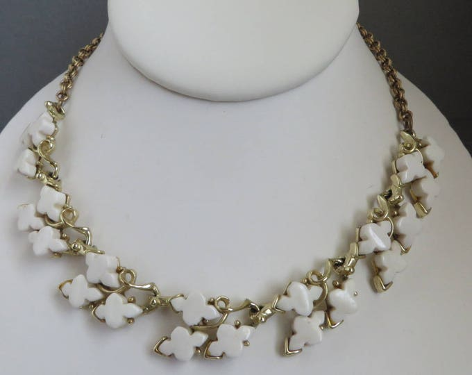 White Thermoset Necklace, Vintage Gold Tone Choker  Leafy Necklace, 16 inch Summer Jewelry