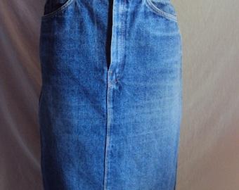 Ranchero  blue denim skirt size 10