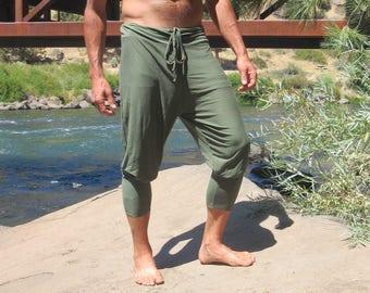 Men's sage green yoga goucho lounge beach resort  jogger capri pants with drawstring