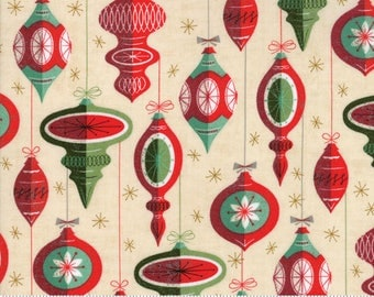 Berry Merry - Christmas Ornaments Natural by Basic Grey for Moda, 1/2 yard, 30471 11