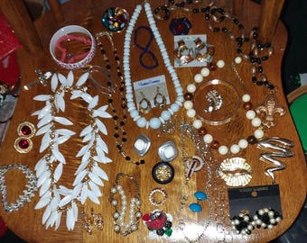 Vintage to new 28 piece all wearable jewelry lot B