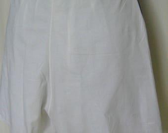 SHORT WHITE COTTON UNDERWEAR HAS HAND EMBROIDERY