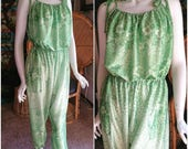 60's Green Romper, Spring Green Floral Romper, Bohemian Romper with Pockets, Tie Straps & Ankles, Vintage Jumpsuit, Bohemian Romper, SM/MD