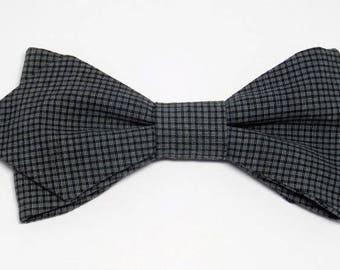 Bowtie Slate gray, square black with sharp edges