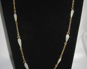 Vintage Gold Tone Glass Bead necklace