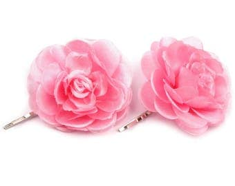 2 flowers in white satin rose hair clip
