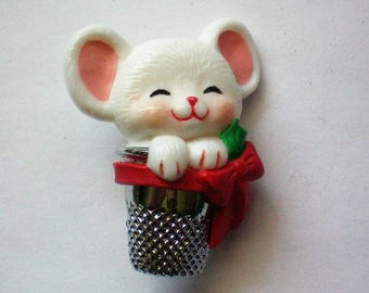 Hallmark Mouse in Thimble Pin for Christmas Holidays - 5684