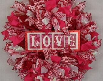 Valentine Mesh Ruffled Wreath, Love Mesh Wreath, Ruffled Wreath, Valentine Decoration, Valentines Decor