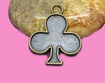 10 charm clover 20 x 20 color bronze