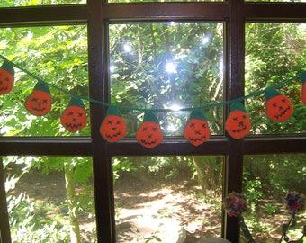 Halloween garland pumpkins
