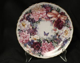 """Bradex Linda Liu """"""""Flora Greetings from Linda Liu""""  """"Circle of Love"""" Collector Plate  1994"""