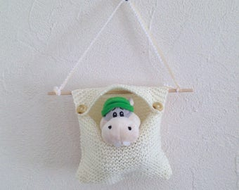 Range of plush, cuddly vintage pocket, off-white interior, hand-knitted