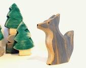 Loup en bois, sculpture en bois, grand méchant loup, jouet écologique, jouet en bois, animal, forêt, les trois petits cochons