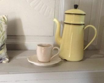 Vintage French enamelware coffee pot, jug, yellow enamel, in good vintage condition, circa 1940