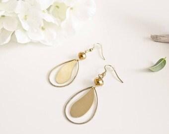 """""""Anushka Brown"""" Golden brass earrings"""