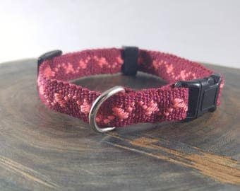 Cat Collar - Handwoven; Adjustable; Breakaway safety buckle - Maroon and pink lotsa lightning; Optional tag