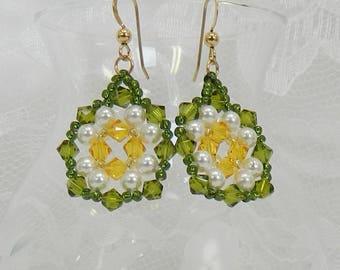 Woven earrings,Swarovski earrings,Beaded earrings,Woven Swarovski,Beaded Swarovski,Woven pearl earrings,Beaded pearl earrings