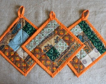 retriever quilted/insulated pot holder and oven mitt set.For her. To the kitchen. Pechvorck. A gift for a housewarming.Price for three piece