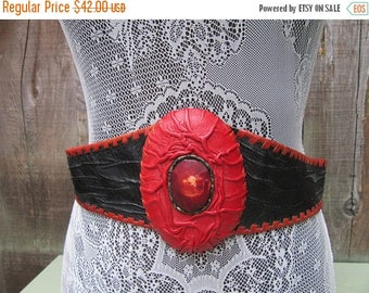 On Sale 1980s Avant Garde Leather Waist Belt Wide Belt 80s Vintage Tiger Eye Red Black