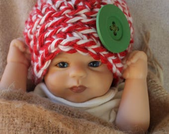 Handmade girl Christmas hat 0-3 months, Christmas hat for boy or girl, red and white Christmas hat for baby, Christmas hat with large button