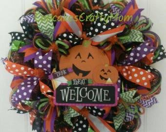 Halloween Welcome Wreath, Trick or Treat Wreath, Halloween Wreath, Halloween Pumpkin Wreath, Halloween Deco Mesh Wreath