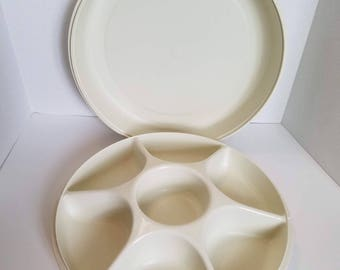 Tupperware Vintage Serving Center Tray