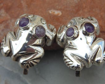 Mexico Silver ~ Vintage Frog Screw Back Earrings in Repousse with Natural Purple Amethyst Eyes c. 1940's
