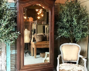 Lovely original vintage French rosewood Louis XV armoire / linen press