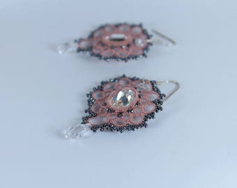 Lace chandelier earrings crystal Swarovski cabochon, pink lace, long earrings, Victorian style, filigrees earrings, glass beads tatting lace